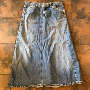 Levi long denim skirt size 11 m